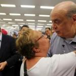 Hilário: morra de rir com o tucano José Serra saindo mal na foto