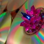 Árvore de Natal com CDs reciclados na decoração ecológica