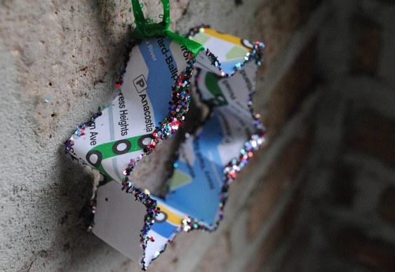 Ornamento com reciclagem de papel