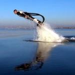 Mergulhe como um golfinho com Flyboard, a mochila a jato d'água