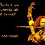 Ian Anderson, o mítico roqueiro do Jethro Tull, faz 66 anos
