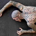 Piadas sobre tatuagem: 100 Reais, Coelhinho, Papai Noel, Japa e Rasta