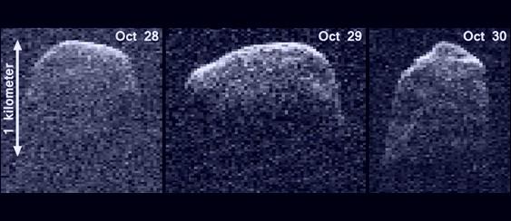 Cometa passa raspando pela Terra