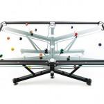 A mesa de sinuca G-1 com tampo de 'vidro' transparente