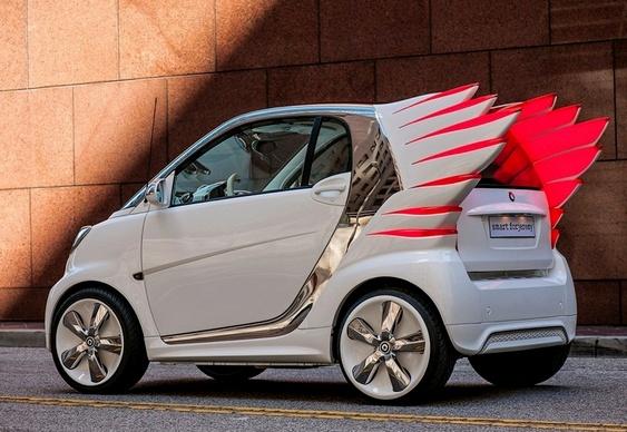 Automóvel Smart ForTwo com asas