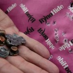 Corrida às mochilas infantis blindadas após massacre nos EUA
