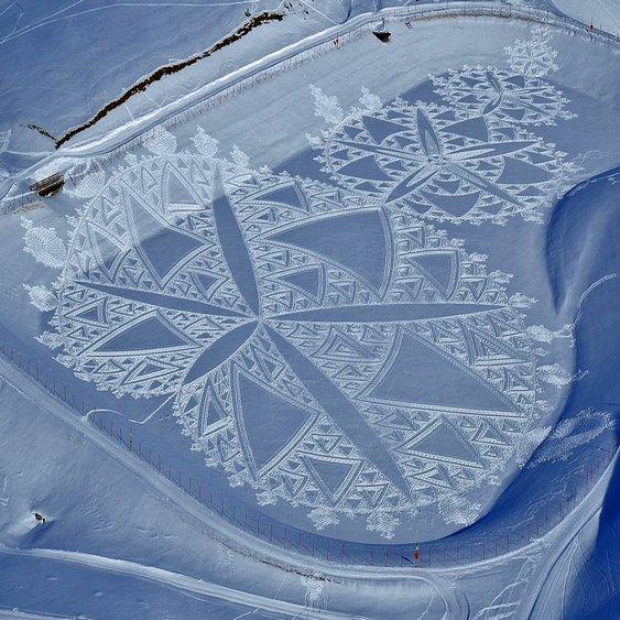 Crop Circles Snow Simon Beck