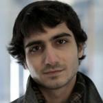 Estudante de origem árabe é expulso por tentar ajudar faculdade