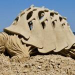 O incrível concurso de esculturas gigantes com areia de praia