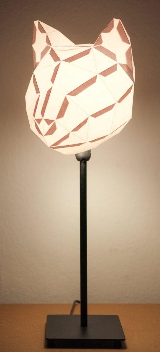 Luminária de mesa com forma de gato