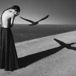 Os incríveis auto-retratos de uma jovem e surreal fotógrafa