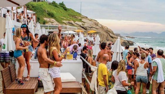 Aqueloo - praia privativa no Forte de Copacabana