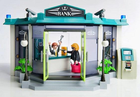Playmobil ensina crianças a assaltar