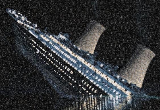 Titanic nuclear afundando
