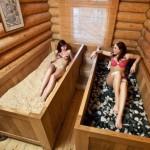 Tratamento de beleza com banho de serragem fermentada