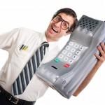 Maioria dos homens acha que é notada pelo celular que usa