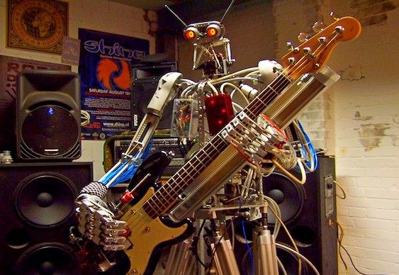 Robô metaleiro