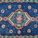 Ilusão de ótica transforma sucata eletrônica em tapete 'persa'