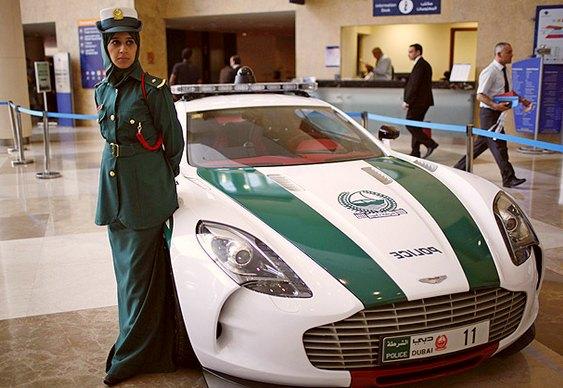 Automóvel esportivo de luxo