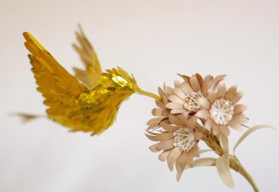 Passarinho e flor de papel