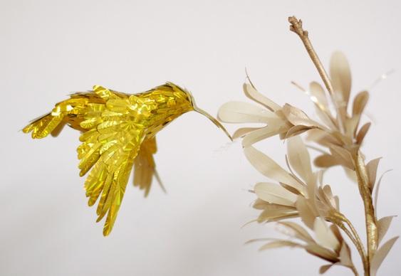 Passarinho de papel dourado