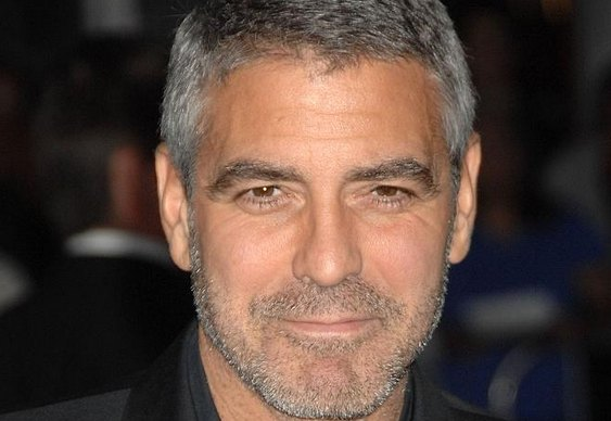 George Clooney grisalho