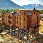 Milagre da engenharia faz igreja 'levitar' a 40 metros do chão