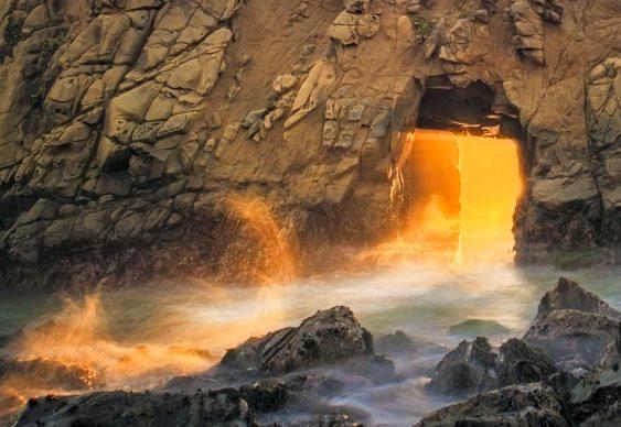 Caverna mágica nas pedras