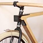 Bicicleta retrô WOOD.b de madeira, aço e alumínio