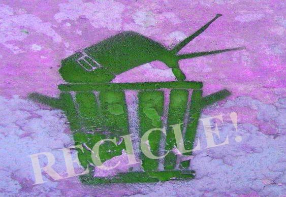 Televisão no lixo