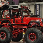 Swindle – monster jeep vermelho com plataforma de pole dance