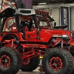 Swindle – monster jeep vermelho com plataforma de pole dance