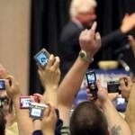 Repórteres com smartphones substituem fotógrafos em jornal