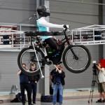 Bicicleta voadora para cidades, turismo e esportes radicais