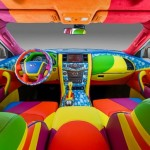 O beatlemaníaco carro SUV Infiniti QX56 Yellow Submarine