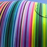 Graffiti colorido revitaliza carroceria de caminhão betoneira