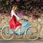 Bicicleta feminina com nécessaire inspirada em tanque de moto