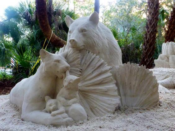 Escultura de animais selvagens