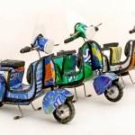 Réplicas de scooter com latas recicladas de alumínio na África