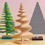 Árvores de Natal com réguas de madeira formam o Triângulo Dourado