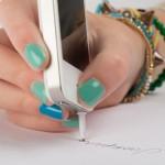 Telefone celular ganha nova função como caneta esferográfica