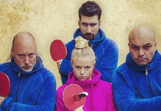 Truque do ping-pong com facas
