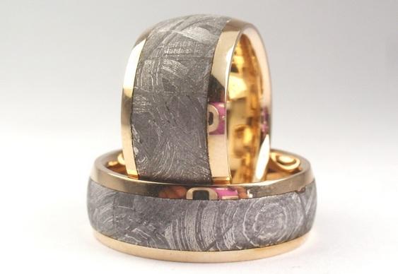 Anéis de meteoritos e dinossauros