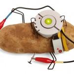 Bateria de batata ilumina cômodo da casa por mais de um mês