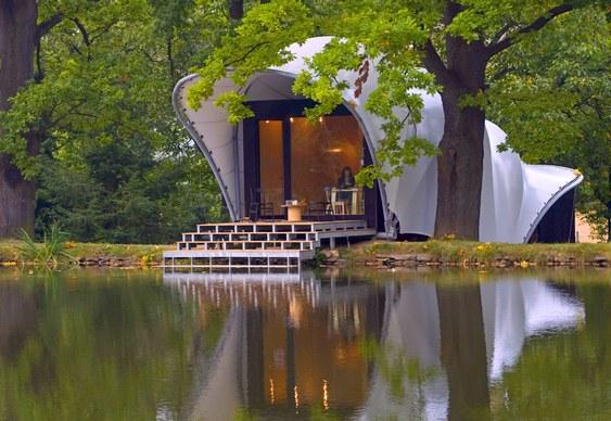 Casa de campo com laguinho