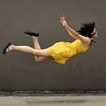 Levitação tridimensional de corpos físicos por ondas de ultrassom