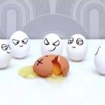 Dica de cozinha: como separar a gema da clara do ovo. A jato!