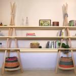 Cabanas nômades primitivas inspiram estantes com prateleiras