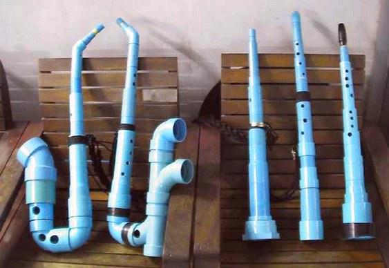 Sax artesanal de plástico
