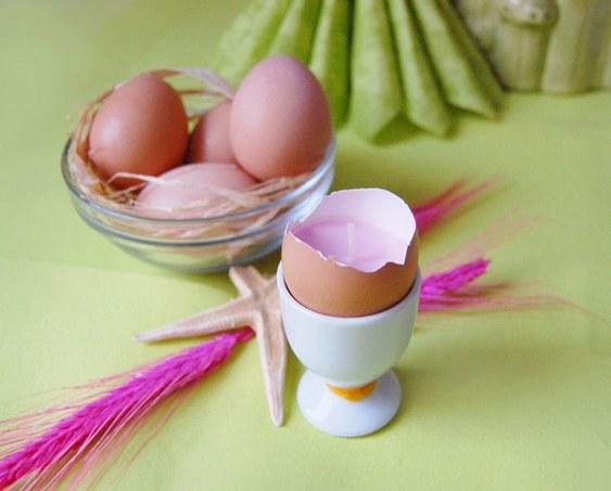 Castiçal de casca de ovo cozido